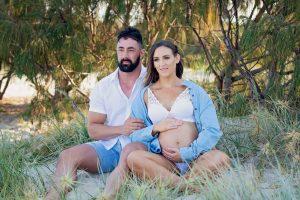Maternity Photography Wardrobe Guide